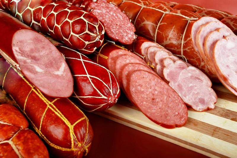 Ученые создали колбасу для веганов — из искусственных клеток свиньи
