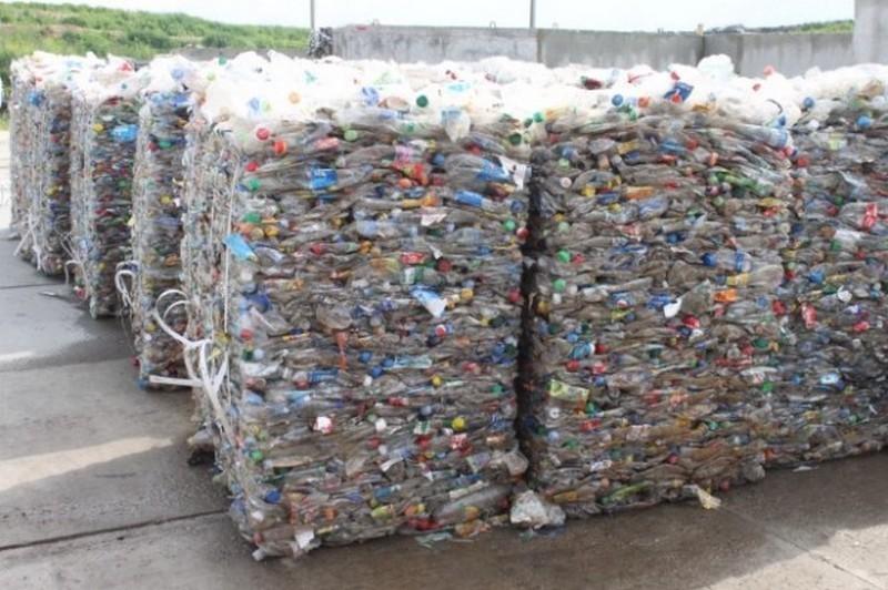 В Харьковской области обнаружили подпольную мусорную свалку