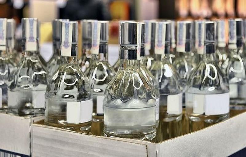 Кабмин повысил минимальную стоимость водки до 90 гривен