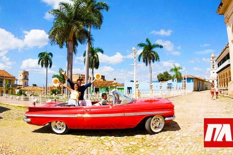 Американские туристы на радостях выпили все пиво на Кубе