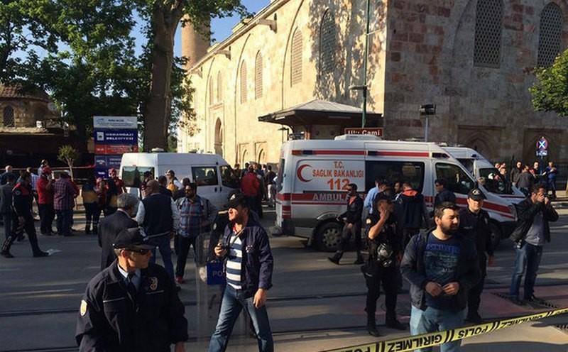 В Турции возле мечети смертница совершила теракт – 7 человек получили ранения