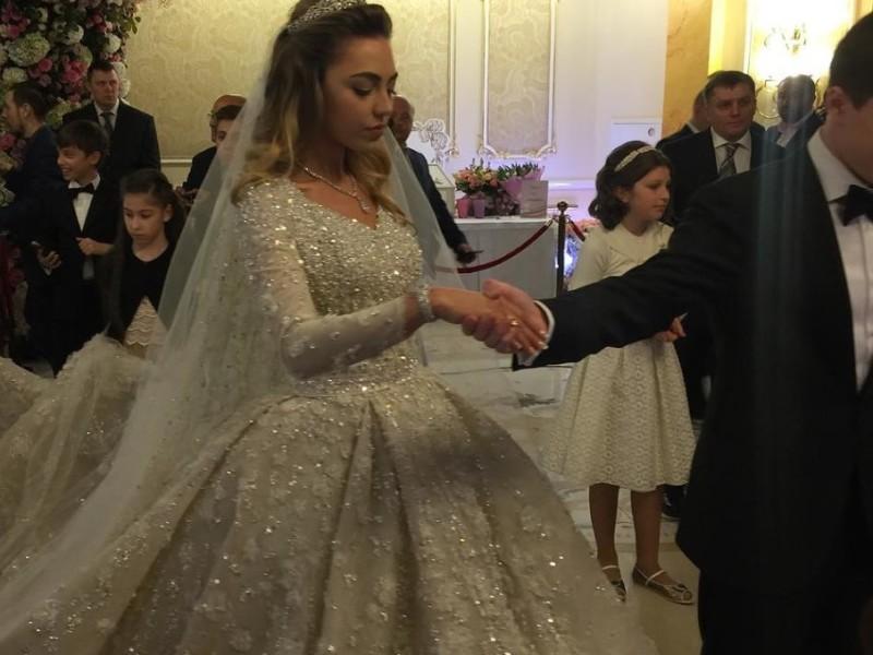 Свадьбу сына нефтемагната РФ Гуцериева оценили в $1 млрд. и назвали самой дорогой в истории