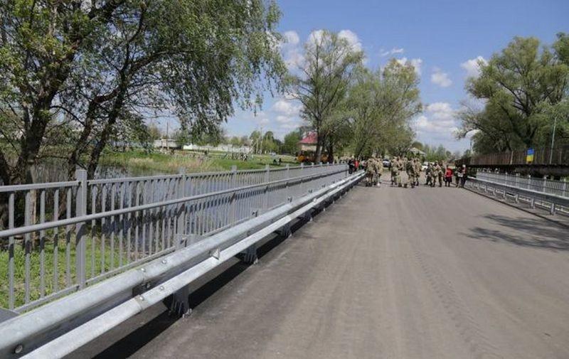 Понтонный мост на Снигиревку ремонтировали 8 дней. Но теперь проезд разрешен