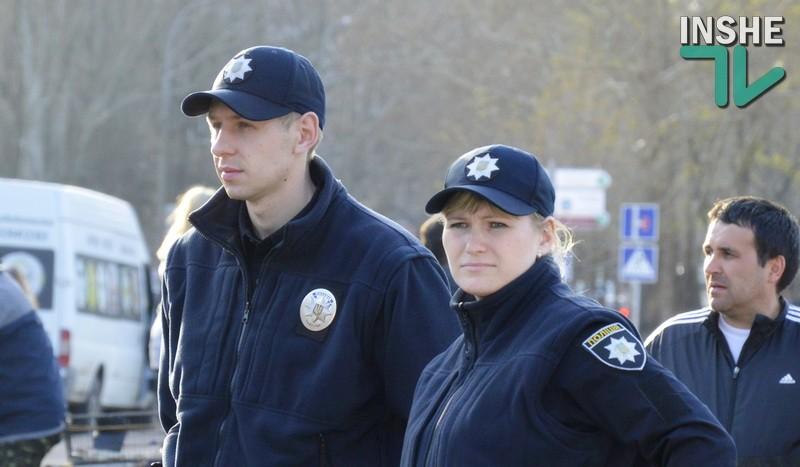 Николаевские патрульные помогли попасть домой женщине, которую разыскивали родственники
