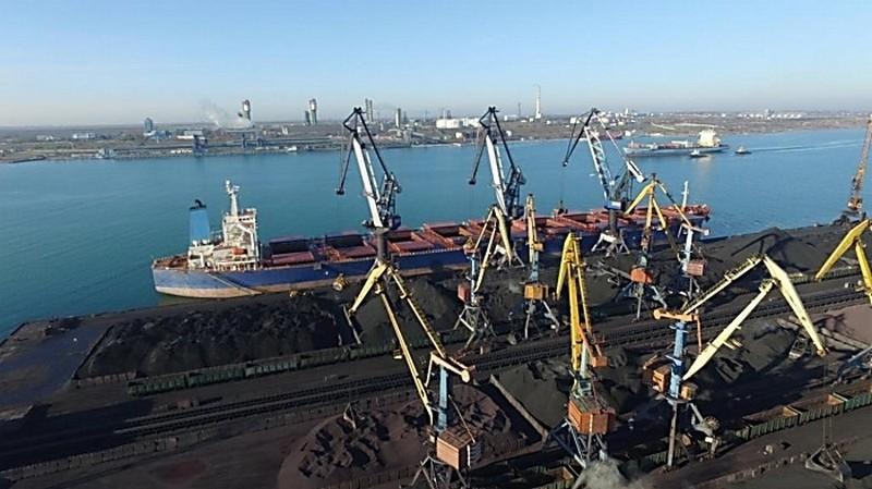 """В порту """"Южный"""" бухгалтер похитила 2,5 млн.грн. – в качестве алиментов"""