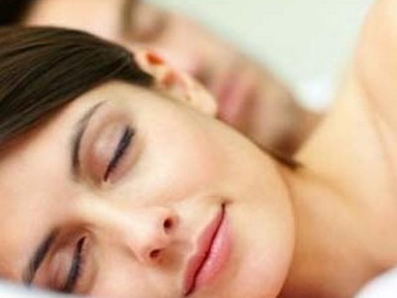Ученые выяснили, что матери спят намного хуже, чем мужчины