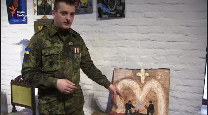 В замке «Радомысль» открылась выставка «стреляных икон» бойцов