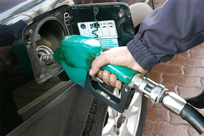 Кабмин опубликовал постановление о введении спецпошлин на ДТ и сжиженный газ из РФ