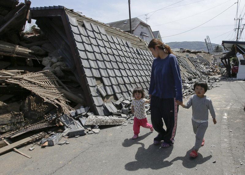 За три дня в Японии зафиксировано почти 400 землетрясений