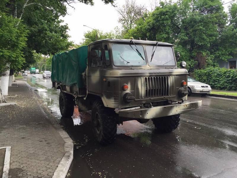 Николаевские волонтеры продолжают ремонтировать технику для защитников: очередной обновленный «ГАЗ-66» ушел в «79-ку»