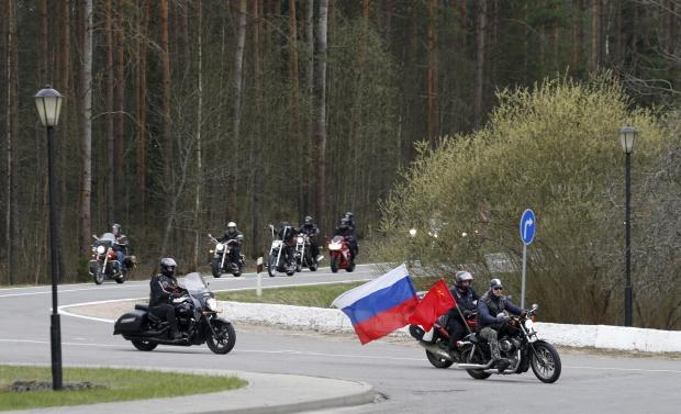Янукевич просит Генпрокуратуру Беларуси признать байкеров Путина экстремистами