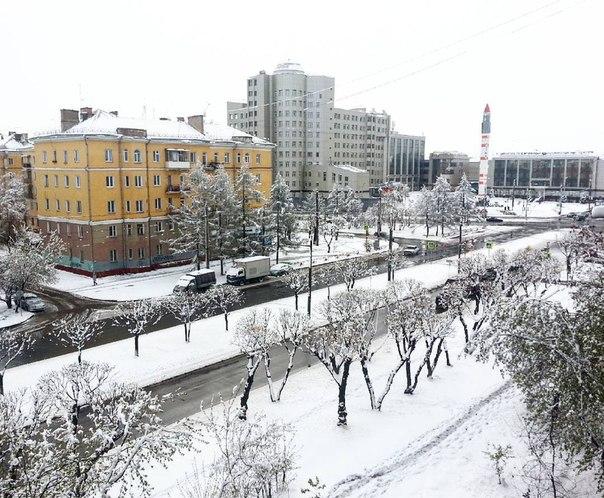 В День Победы российский Красноярск оказался в снежном плену