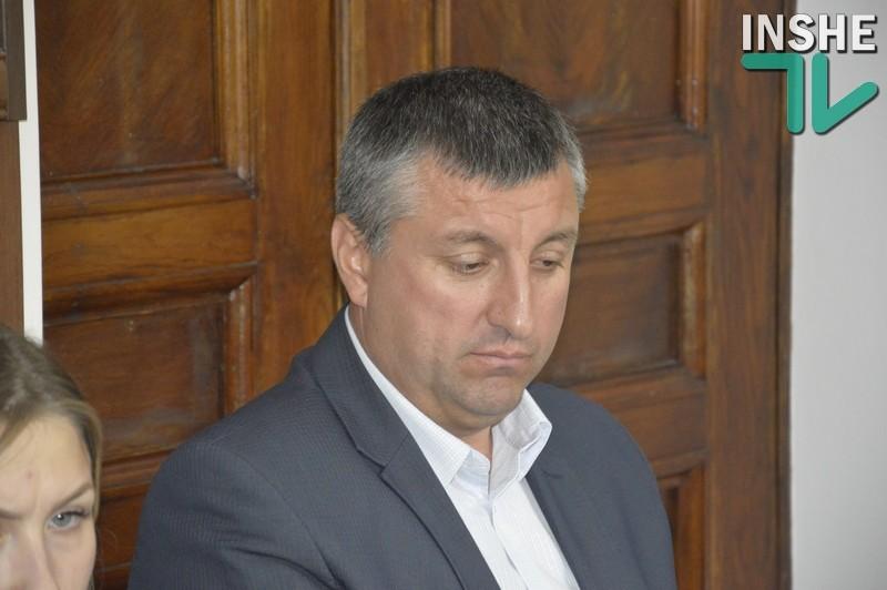 Гайдаржи пообещал николаевским «оппозиционерам», что таблички с датами ВОВ вернутся на ворота парка Победы
