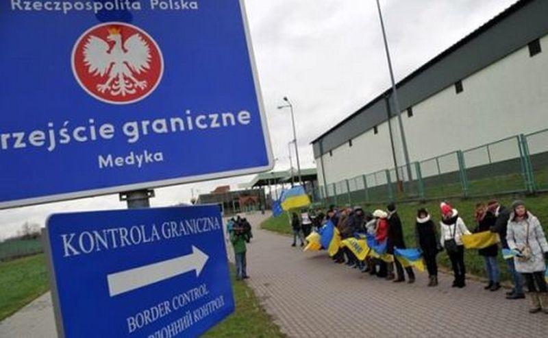 На украинско-польской границе сформировались трехсуточные очереди на пропуск