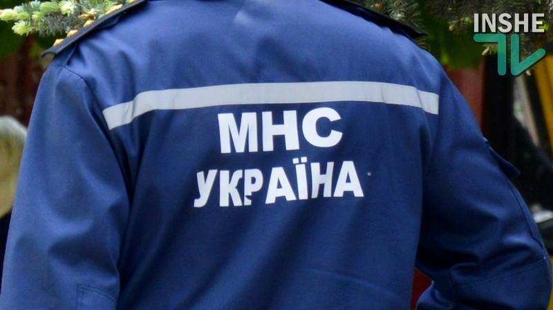 Николаевские спасатели во время снежной непогоды оказали помощь беременной женщине и 17 детям