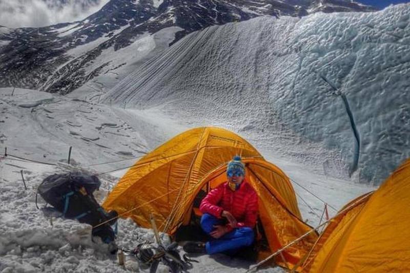 Китай закрыл свой подход к Эвересту