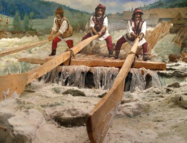 Как в Карпатах сплавляли лес по рекам в 1965 году. Редкое видео