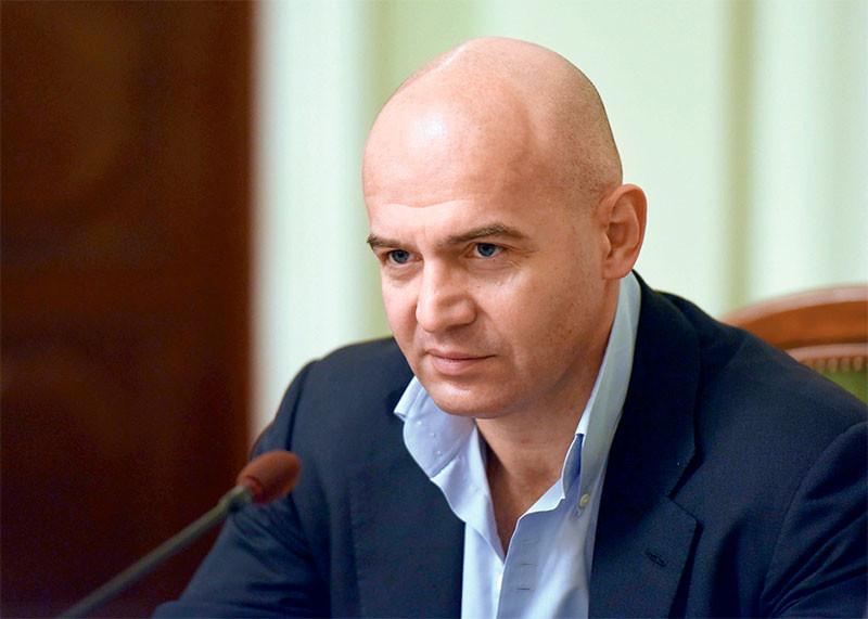 Игорь Кононенко считает, что Алексей Савченко поступил правильно. Но с президентом он о нем не говорил