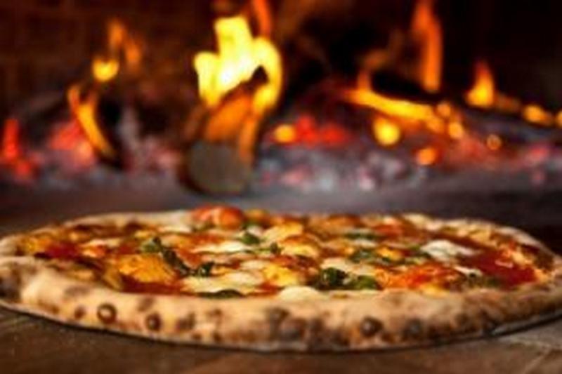 В Италии суд разрешил пиццайоло платить алименты пиццей: бывшая жена в шоке