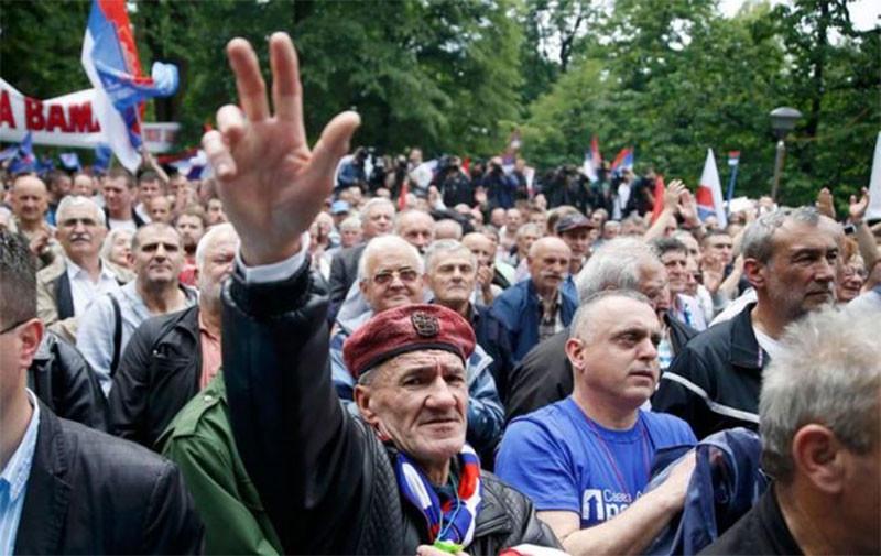 Новый Крымнаш? В ЕС обеспокоены массированным воздействием РФ на Сербию