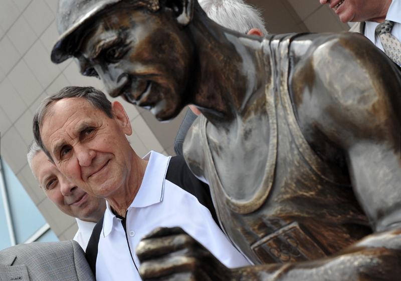 Из ноги сумского Ленина отлили памятник двукратному чемпиону Олимпийских игр Голубничему