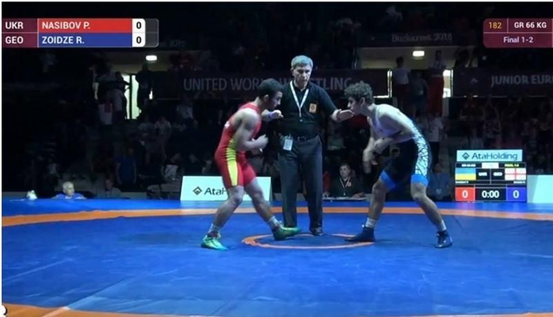 Двое николаевцев стали призерами чемпионата Европы среди юниоров по греко-римской борьбе, проходившем в Румынии