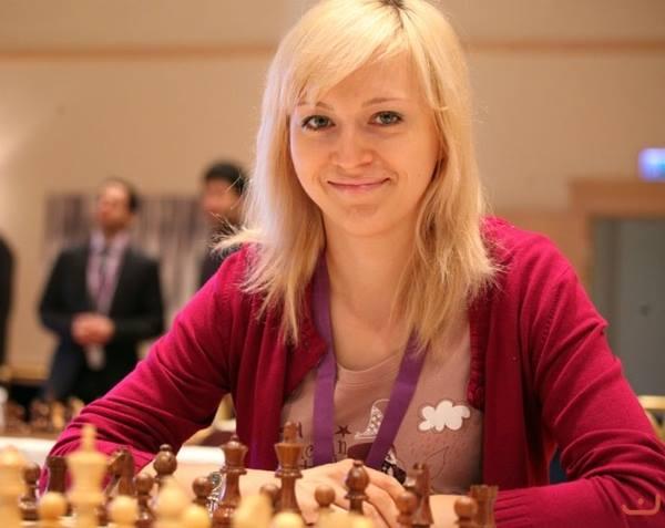 Украинка стала чемпионкой Европы по шахматам