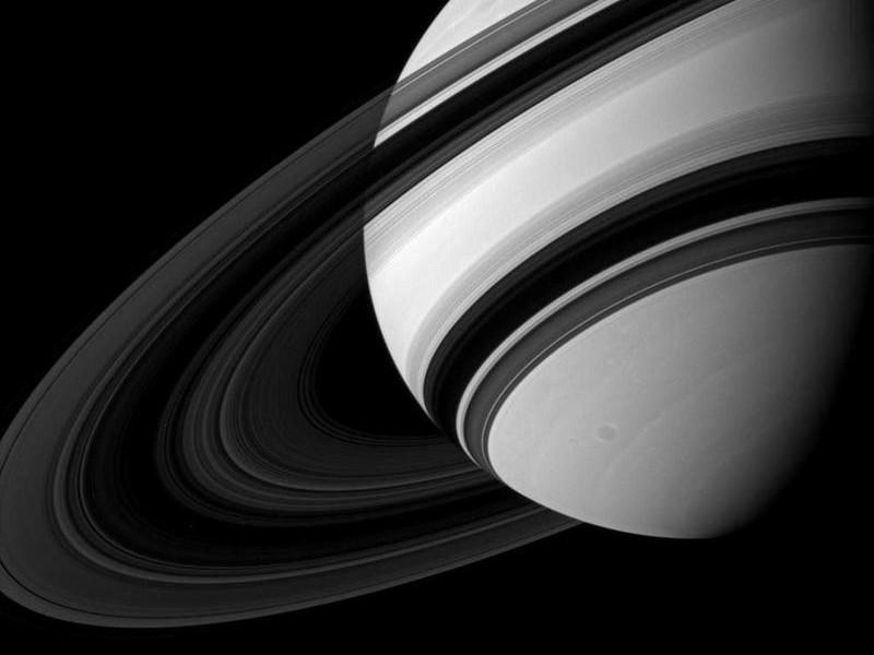 Учёные получили снимок Титана и колец Сатурна