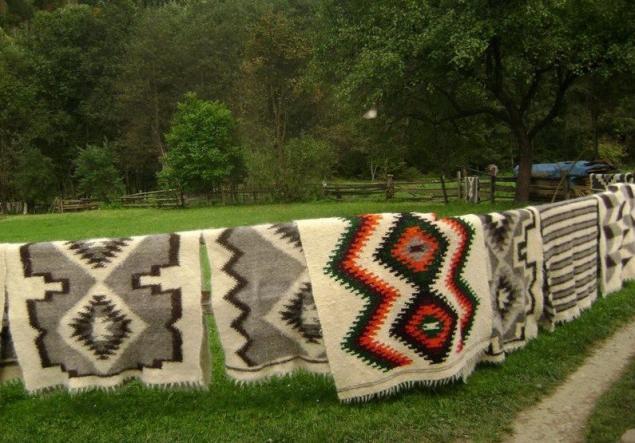В Карпатах ткут ковры с особой энергетикой