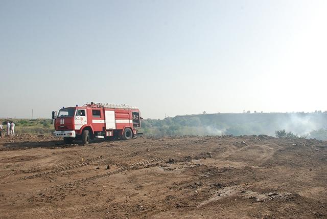 Госэкоинспекция требует от мэра Николаева немедленно ликвидировать несанкционированную свалку, на которой был пожар
