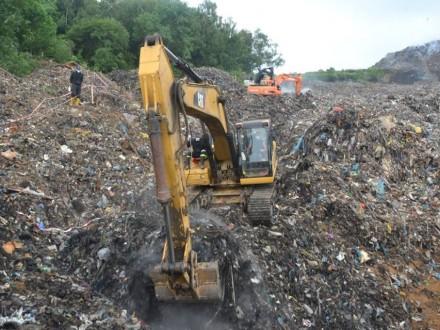 Часть горы мусора обвалилась на Грибовицкой свалке под Львовом
