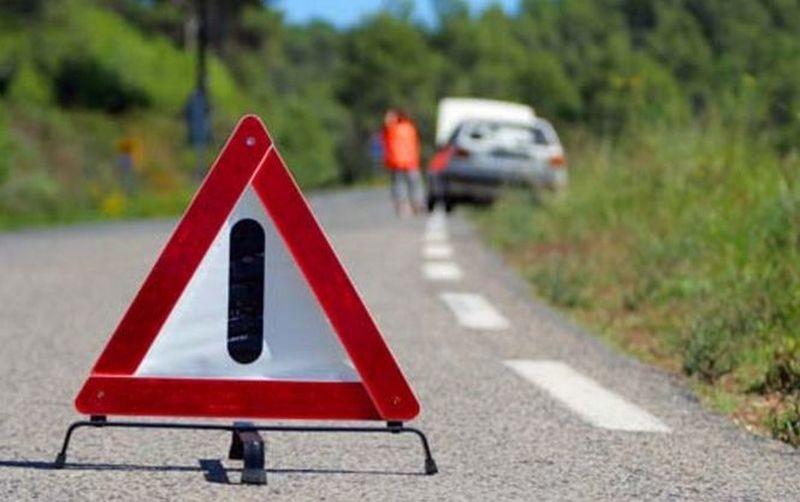 На Николаевщине перевернулся микроавтобус Toyota Hiace – водитель погиб, четверо пассажиров травмированы (ФОТО)