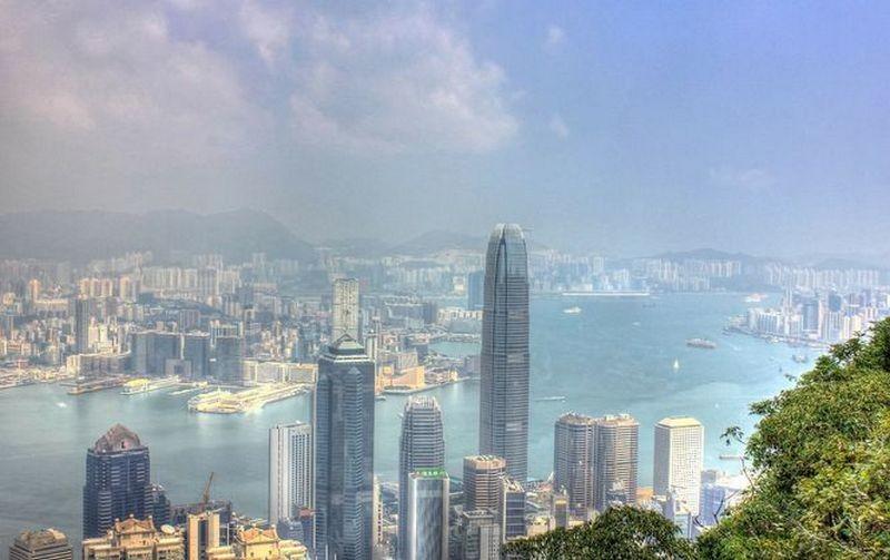 В Гонконге продали самое дорогое место для парковки за 1,3 млн долл.