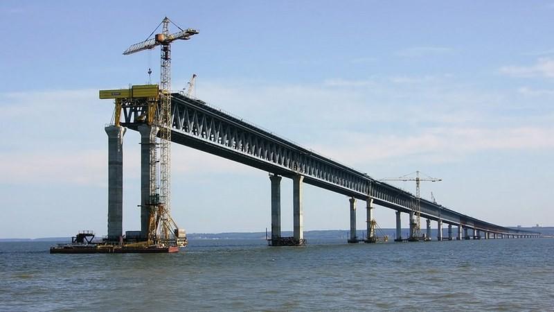Третий раз: в РФ опять не нашли желающих строить железнодорожные подъезды к Крымскому мосту