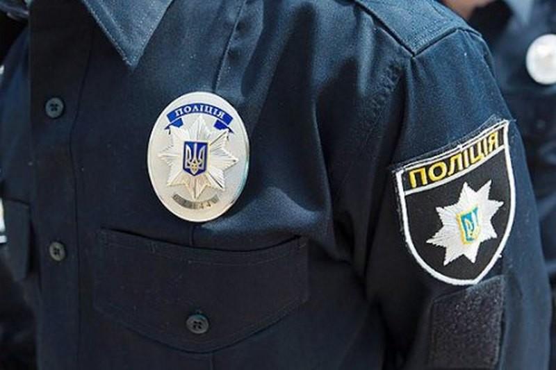 В Запорожье задержали полицейских, ограбивших мужчину на 1,7 млн грн