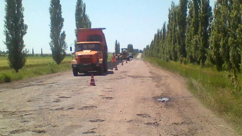 Стало известно, кто отремонтирует многострадальную трассу Н-11. Но только до границы с Николаевской областью