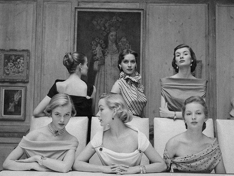 Очень шикарно, женственно, но невозможно вернуть: как одевались женщины в 1940-х