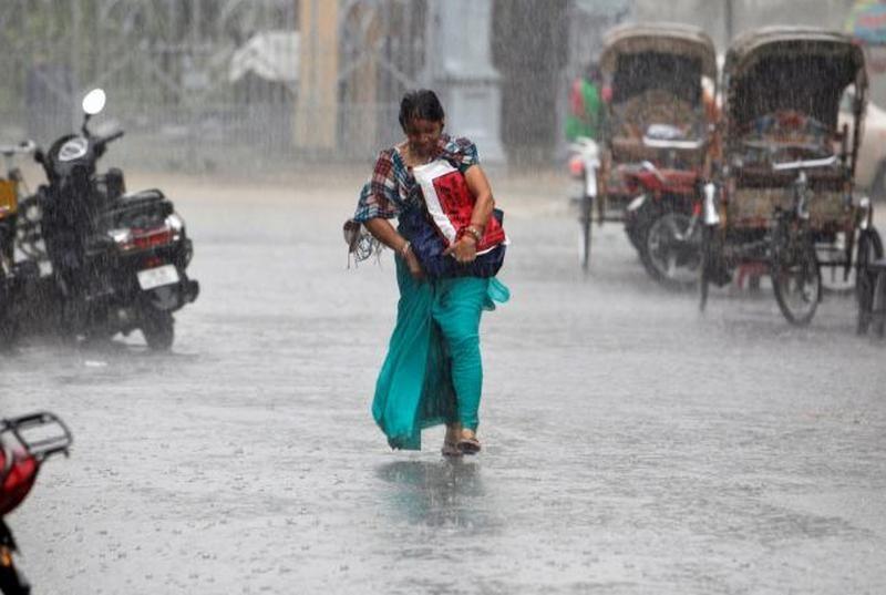В Индии из-за сильных дождей и молний погибло более 40 человек