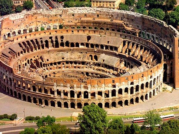 Не коронавирусом единым. В римском Колизее восстановят арену