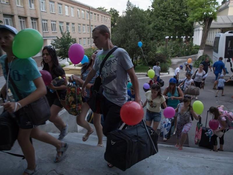 В Николаев привезли детей из зоны АТО