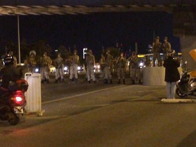 В Турции произошла попытка военного переворота – премьер-министр Йылдырым