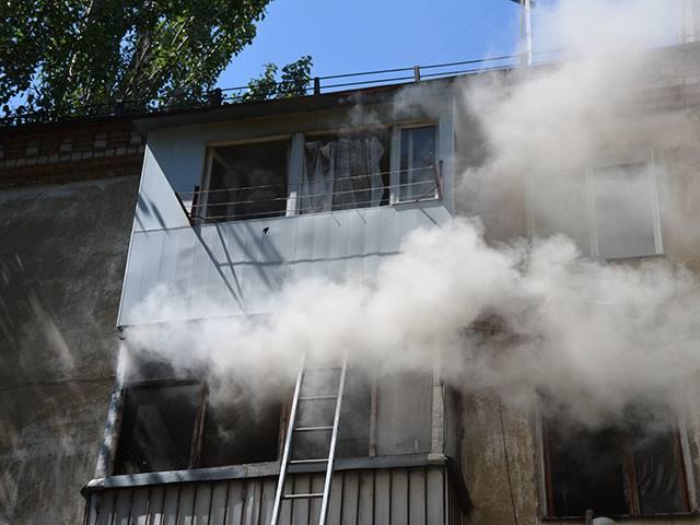 Из-за пожара в квартире на ул.Курортной в Николаеве на улицу пришлось вывести 9 человек