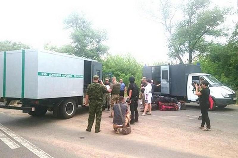 """""""ДНР"""" передала Украине 23 заключенных, отбывавших наказание на территории оккупированного Донбасса"""