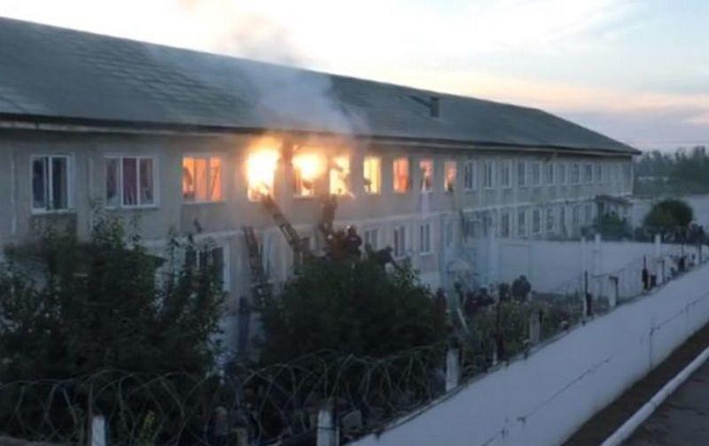 Сторожевые псы, стрельба и взрывы: как штурмовали взбунтовавшуюся колонию в России