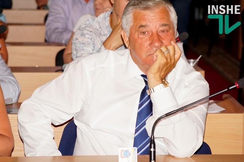 В Николаеве суд не счел депутата Николаевского горсовета Дюмина, проголосовавшего за киоски для рынка своей дочери, виновным в административном правонарушении, связанном с коррупцией