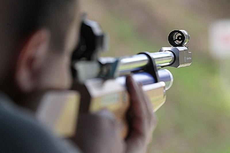 Фискал из Николаева, который устроил стрельбу по птицам из окна ГУ ГФС в Николаевской области, уволен