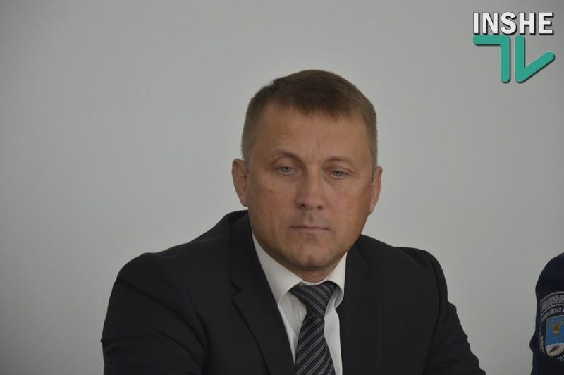 """Николаевский налоговик заявил о том, что его дом забросали """"коктейлями Молотова"""""""