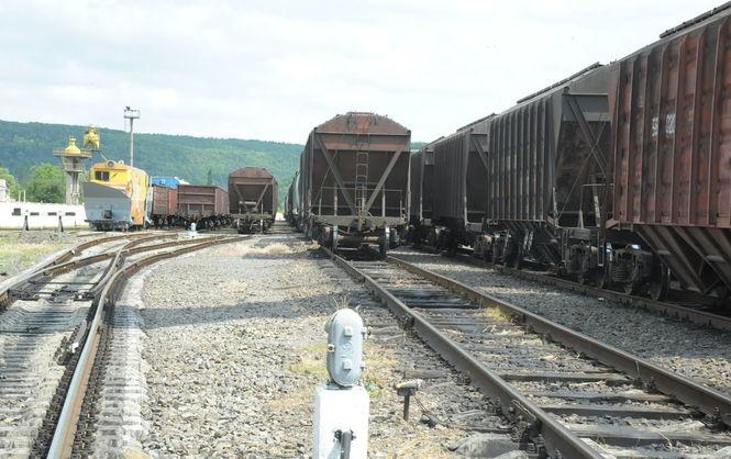 Активисты начали останавливать грузовые поезда из РФ в Сумской области