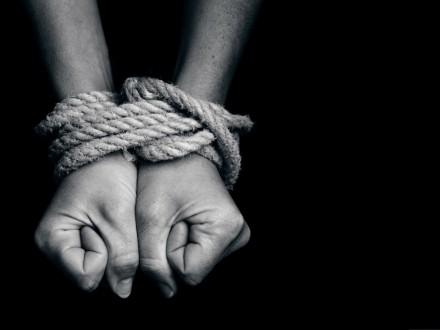 В Донецке злоумышленники хотели продать девушку в сексуальное рабство в Турцию