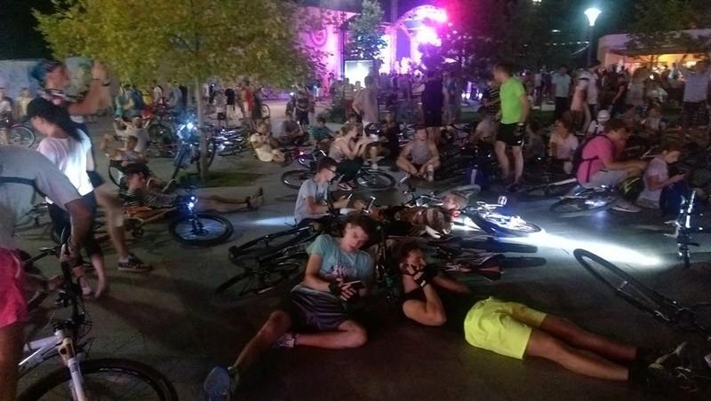 Велосипедисты устроили масштабную акцию протеста в Одессе